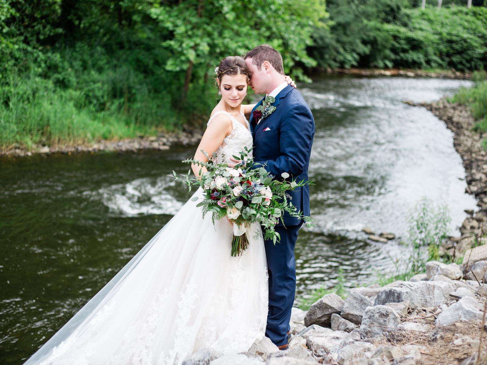 bohemian-akron-wedding-by-matt-erickson-photography-15.jpg