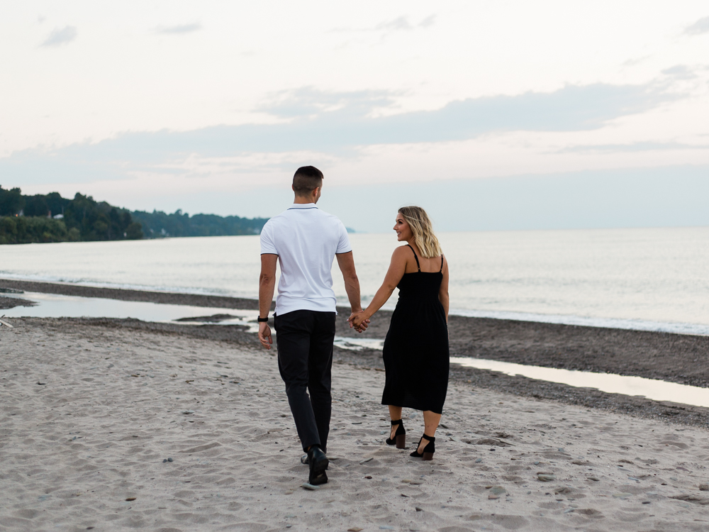 romantic-lake-erie-engagement-photos-by-matt-erickson-photography-12.jpg