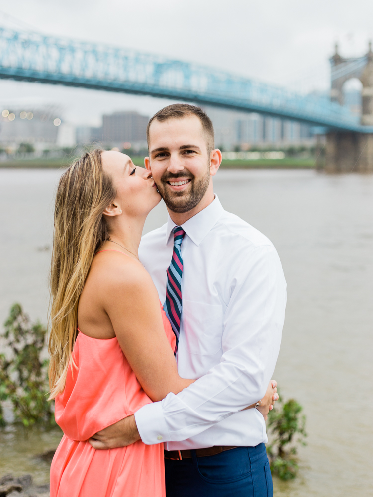 downtown-cincinnati-engagement-photos-by-matt-erickson-photography-18.jpg