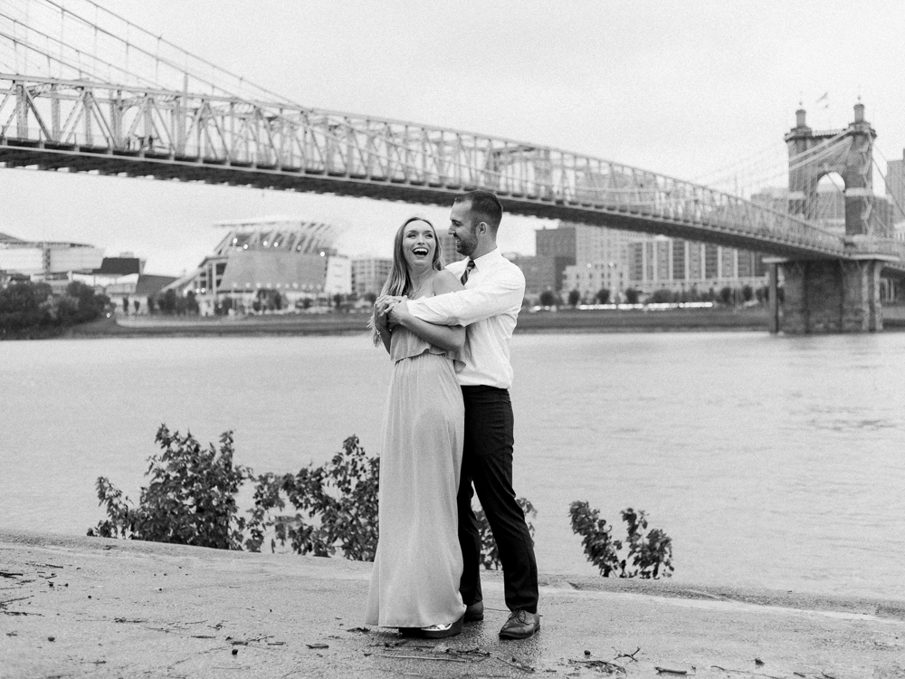 downtown-cincinnati-engagement-photos-by-matt-erickson-photography-19.jpg