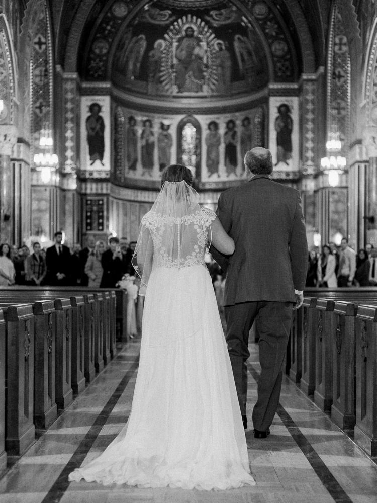romantic-cleveland-wedding-photos-ariel-international-center-by-matt-erickson-photography-5.jpg