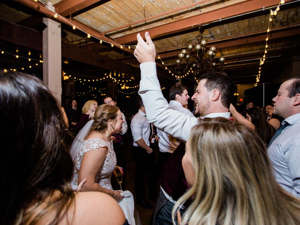 romantic-cleveland-wedding-photos-ariel-international-center-by-matt-erickson-photography-22.jpg