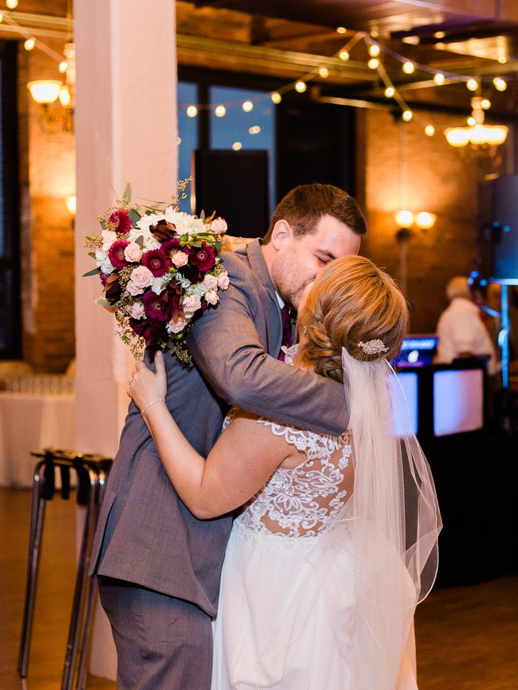 romantic-cleveland-wedding-photos-ariel-international-center-by-matt-erickson-photography-16.jpg