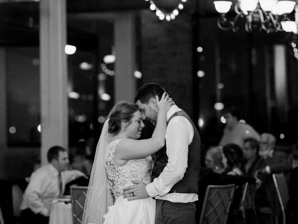 romantic-cleveland-wedding-photos-ariel-international-center-by-matt-erickson-photography-19.jpg