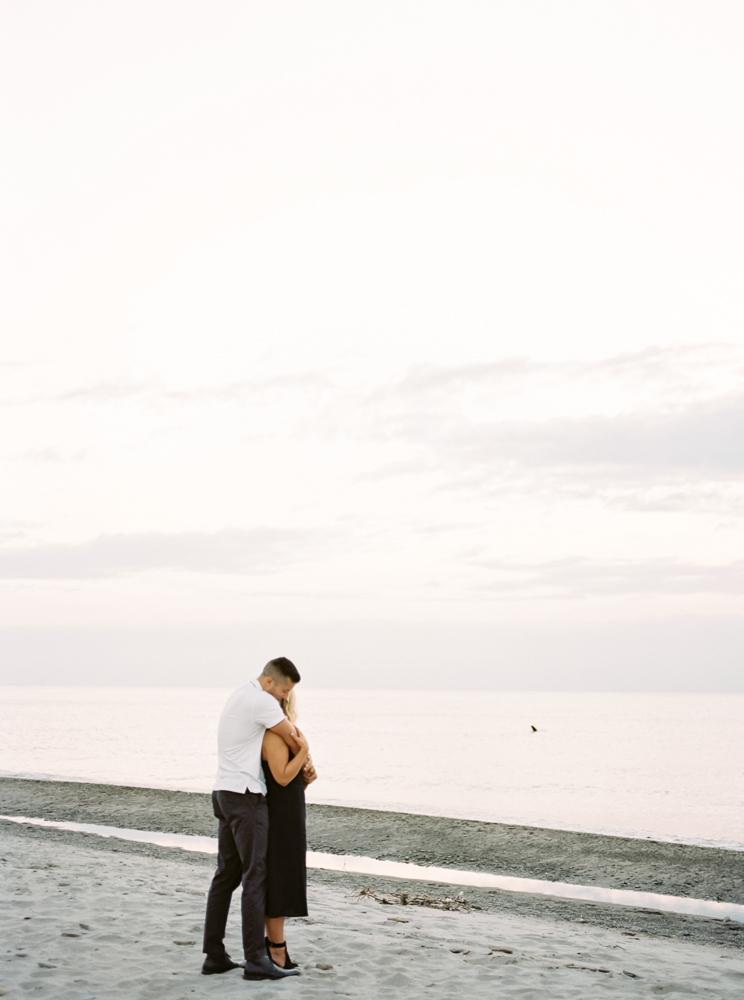 romantic-lake-erie-engagement-photos-by-matt-erickson-photography-35.jpg