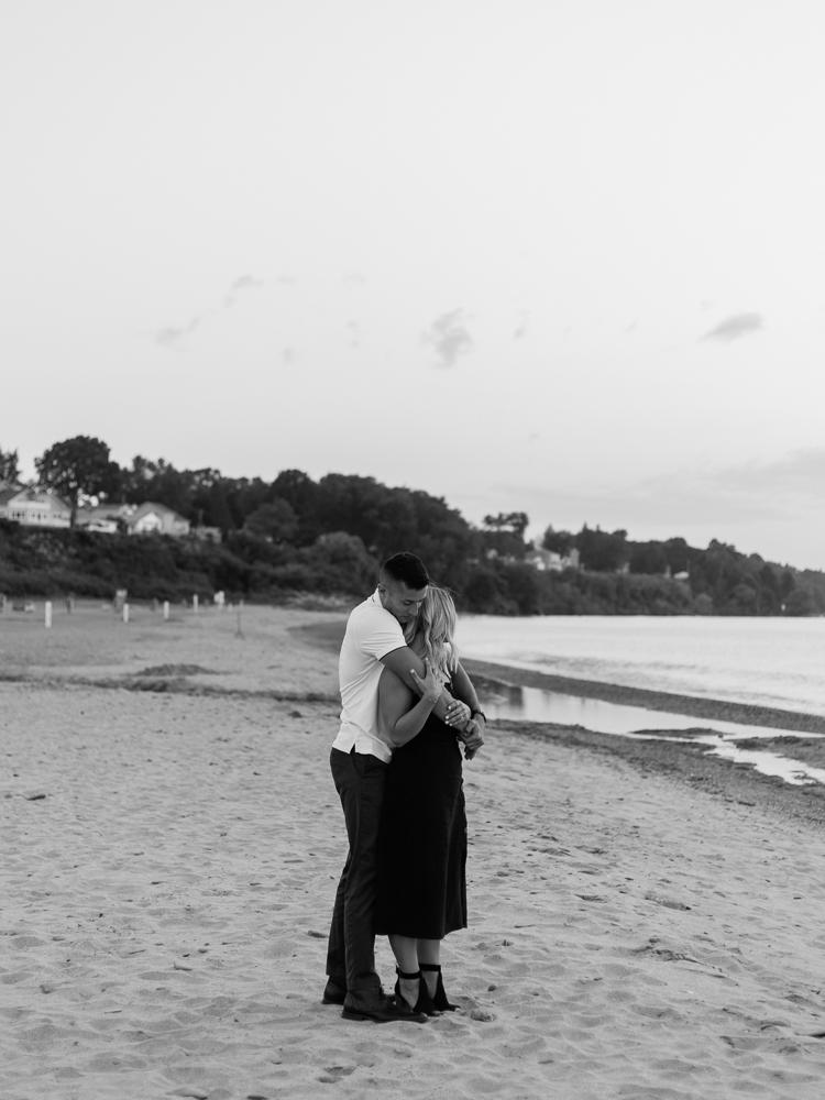 romantic-lake-erie-engagement-photos-by-matt-erickson-photography-36.jpg