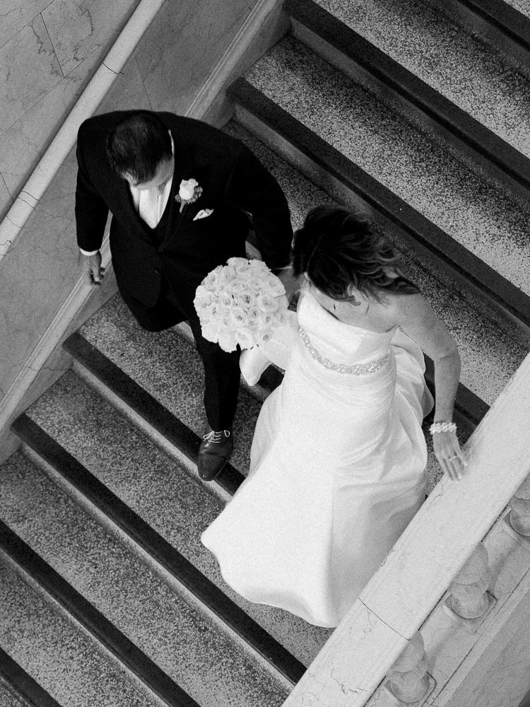 ritz-carlton-luxury-cleveland-wedding-photos-by-matt-erickson-photography-8.jpg