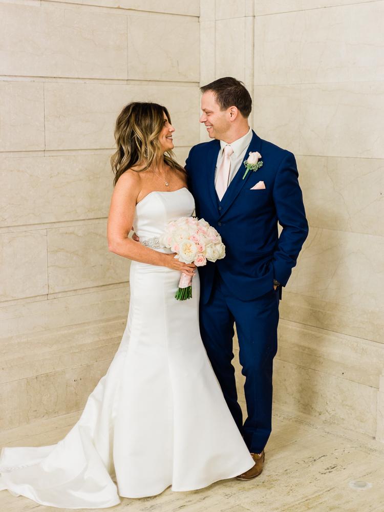 ritz-carlton-luxury-cleveland-wedding-photos-by-matt-erickson-photography-9.jpg