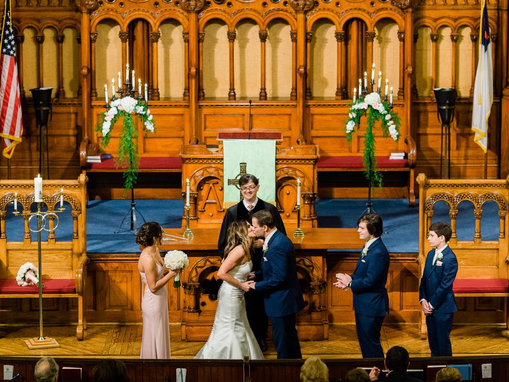 ritz-carlton-luxury-cleveland-wedding-photos-by-matt-erickson-photography-41.jpg