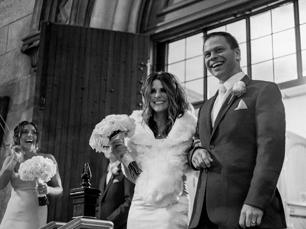 ritz-carlton-luxury-cleveland-wedding-photos-by-matt-erickson-photography-44.jpg