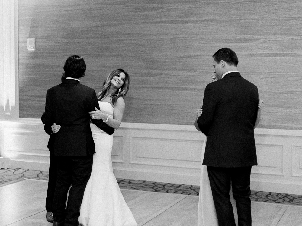 ritz-carlton-luxury-cleveland-wedding-photos-by-matt-erickson-photography-55.jpg