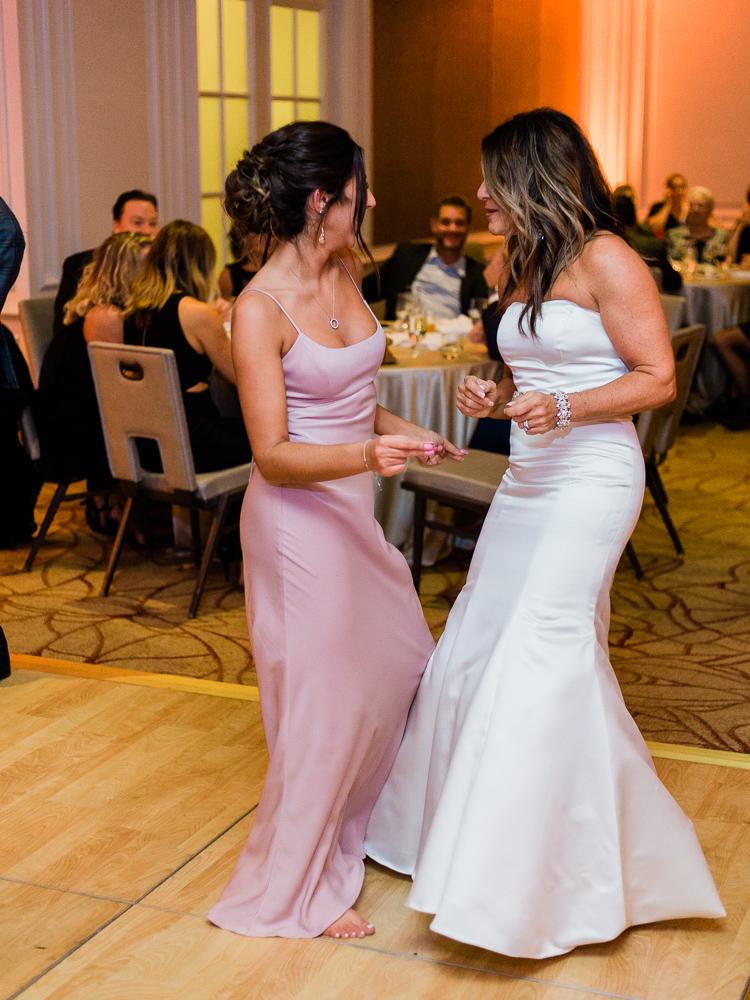 ritz-carlton-luxury-cleveland-wedding-photos-by-matt-erickson-photography-57.jpg