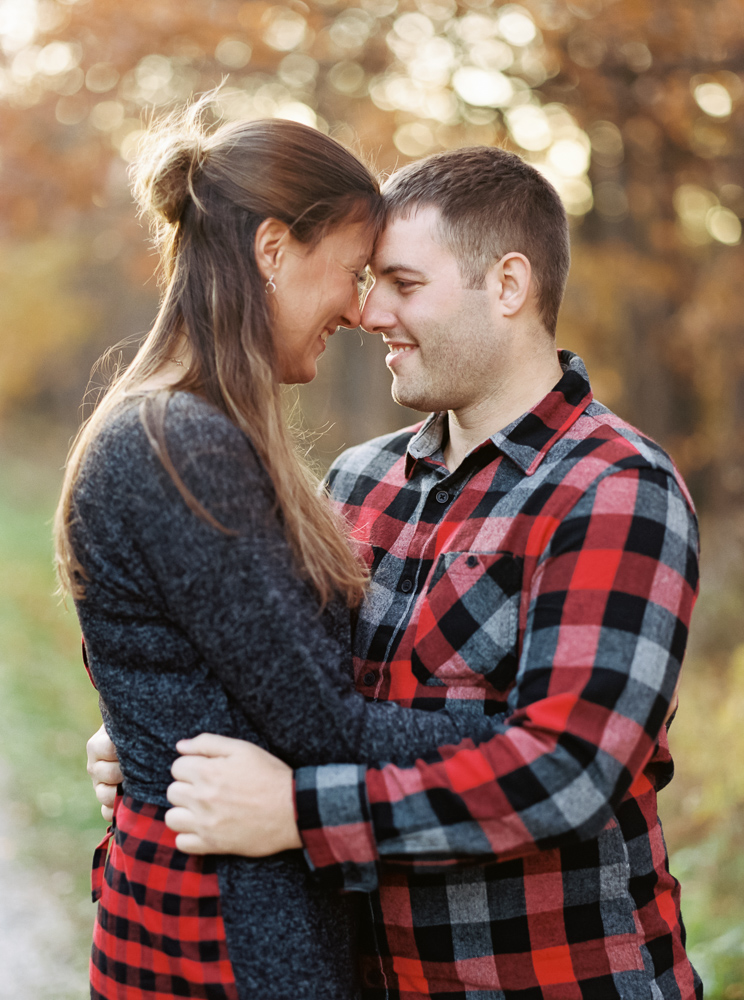 fall-engagement-photos-at-brandywine-falls-matt-erickson-photography-5.jpg
