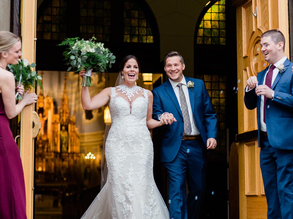 romantic-cleveland-christmas-wedding-photos-by-matt-erickson-photography-20.jpg