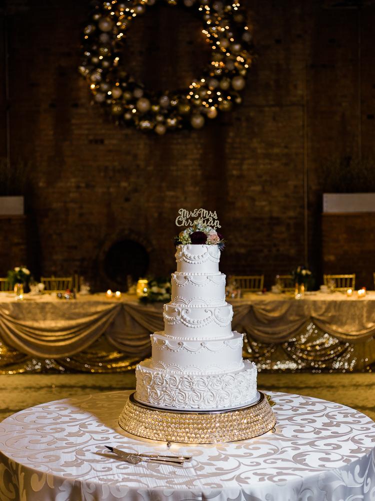 romantic-cleveland-christmas-wedding-photos-by-matt-erickson-photography-35.jpg
