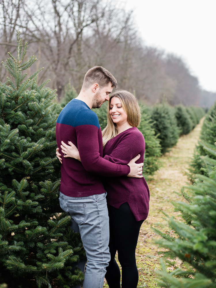 christmas-tree-farm-engagement-photos-matt-erickson-photography-8.jpg