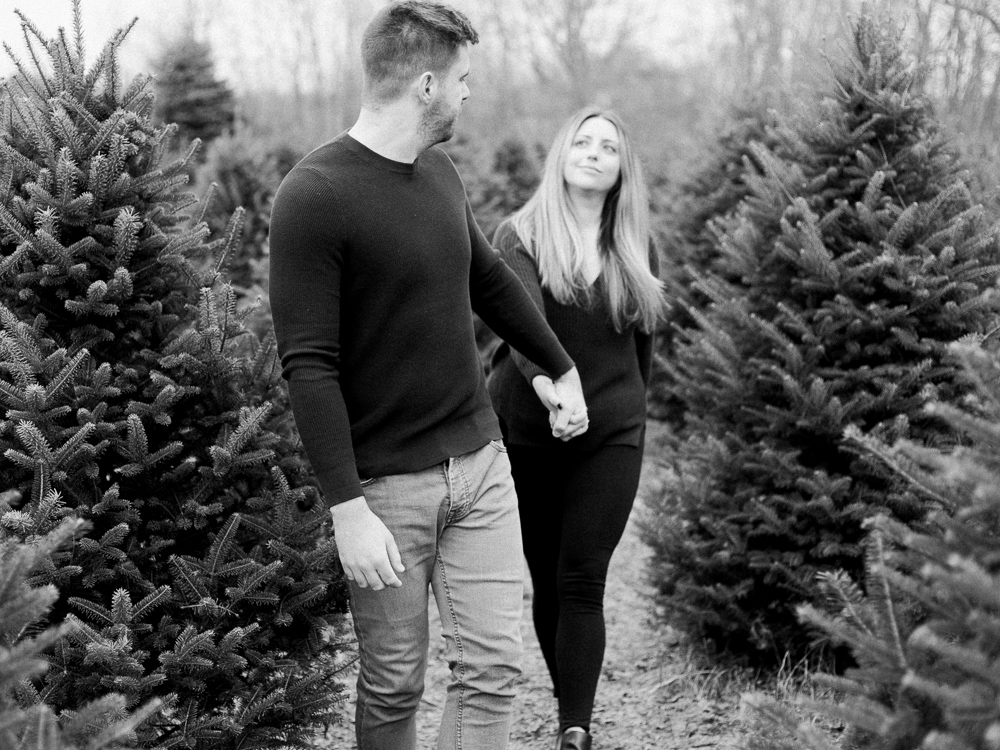 christmas-tree-farm-engagement-photos-matt-erickson-photography-23.jpg