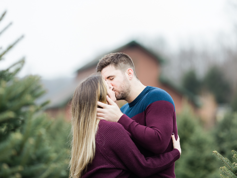 christmas-tree-farm-engagement-photos-matt-erickson-photography-27.jpg