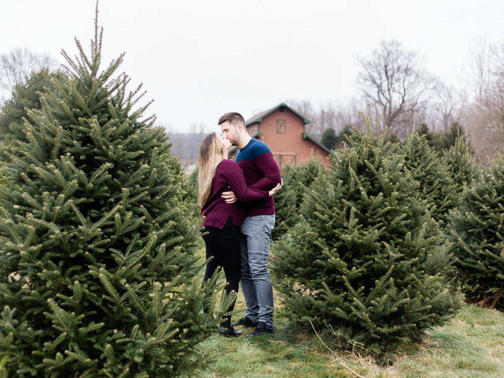 christmas-tree-farm-engagement-photos-matt-erickson-photography-33.jpg