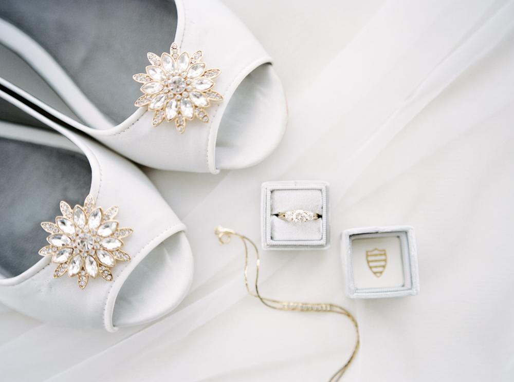 classic-romantic-cleveland-wedding-by-matt-erickson-photography-11.jpg