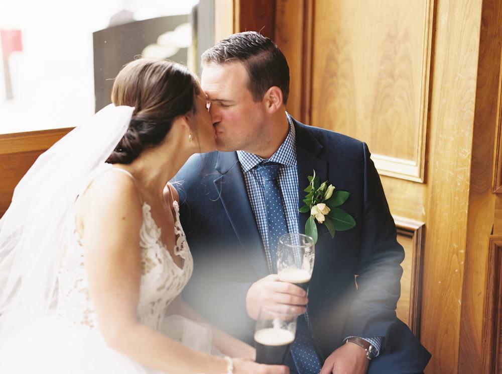 tenk-west-bank-cleveland-wedding-by-matt-erickson-photography-437.jpg