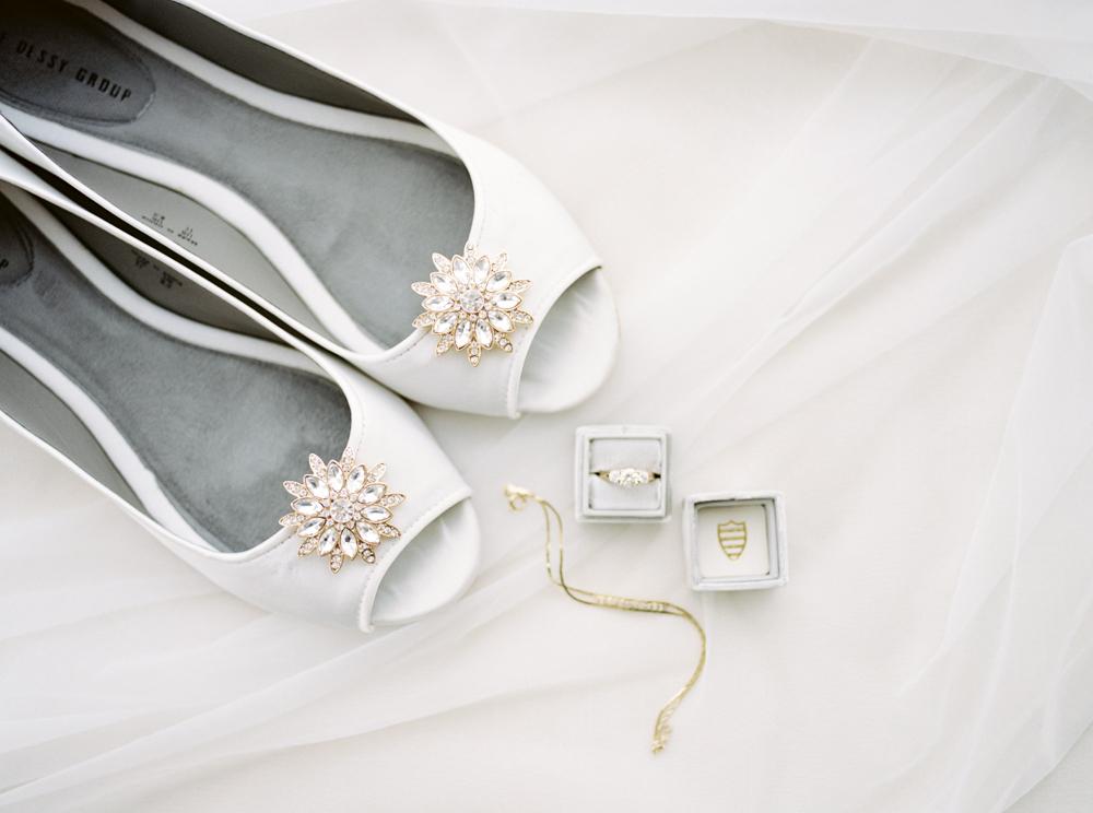 classic-romantic-cleveland-wedding-by-matt-erickson-photography-9.jpg