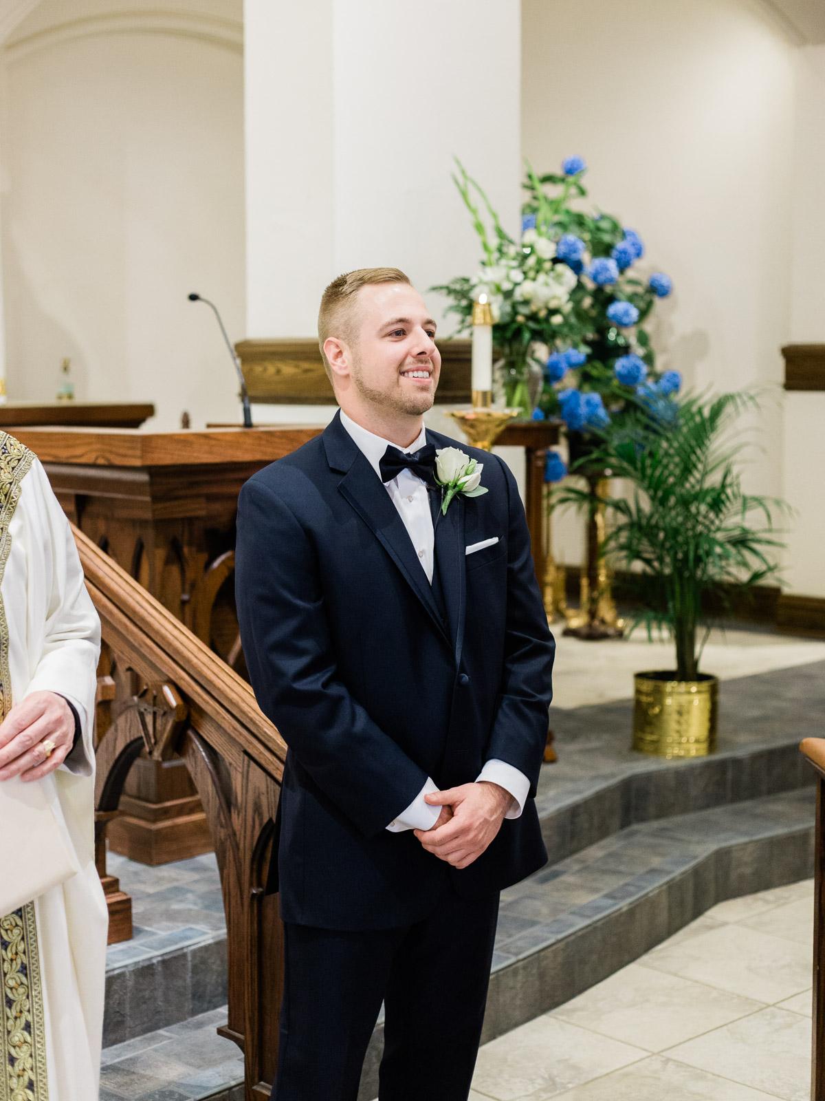 classic-spring-cleveland-wedding-12.jpg