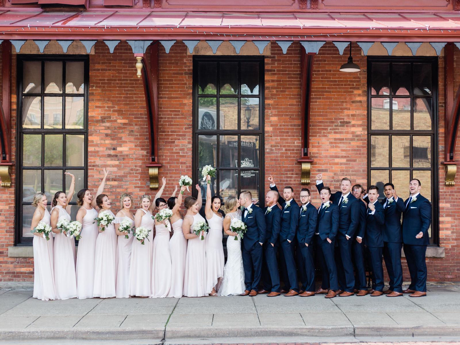 classic-spring-cleveland-wedding-30.jpg