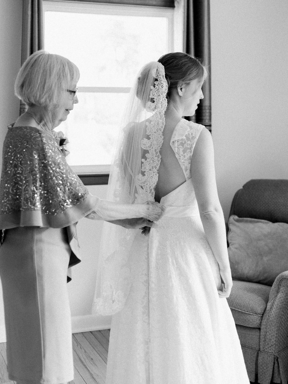 Sweet & Intimate Wedding in Rocky River Ohio-14.jpg