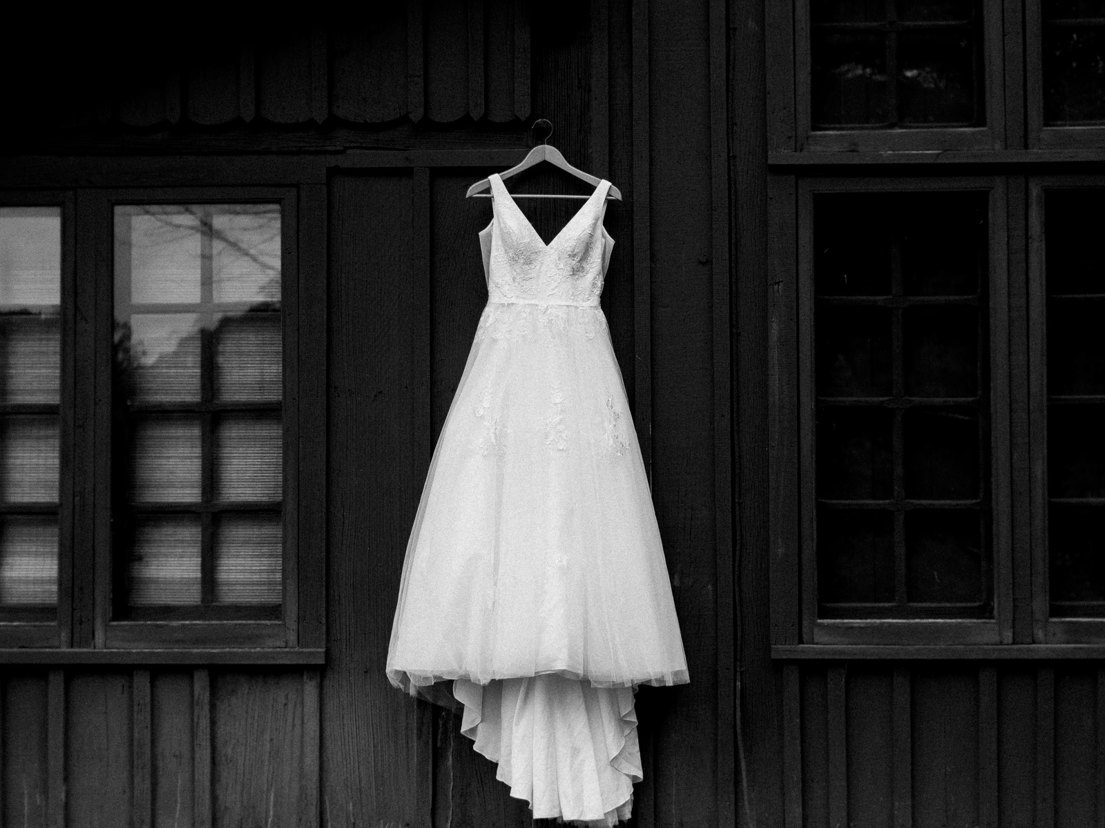 Stunning Summer Wedding in Cuyahoga Valley National Park-11.jpg