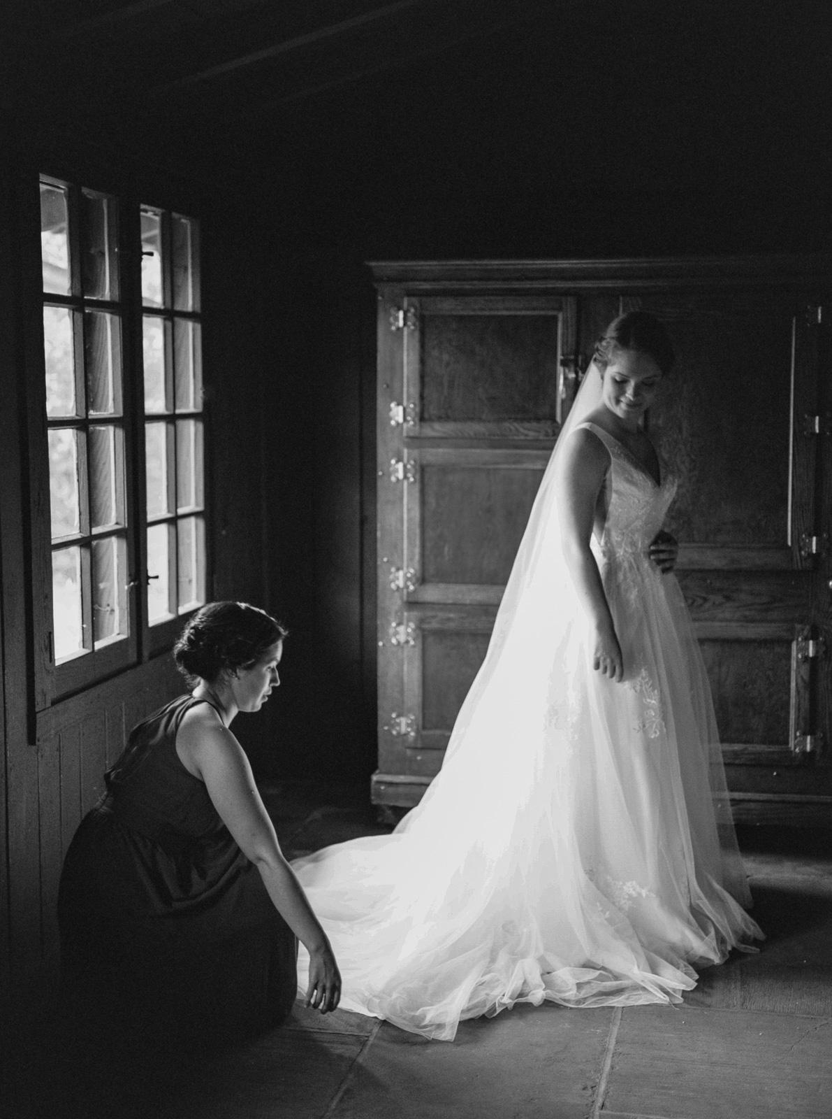 Stunning Summer Wedding in Cuyahoga Valley National Park-14.jpg