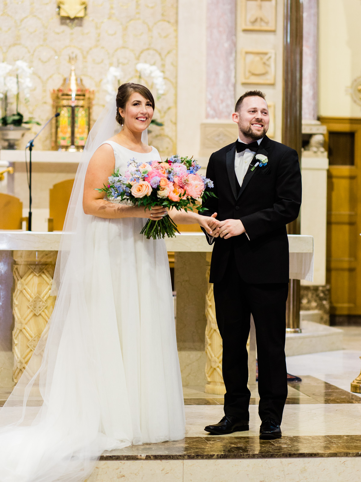 Bright and Joyful Cleveland Wedding Photography at Music Box Supper Club-21.jpg