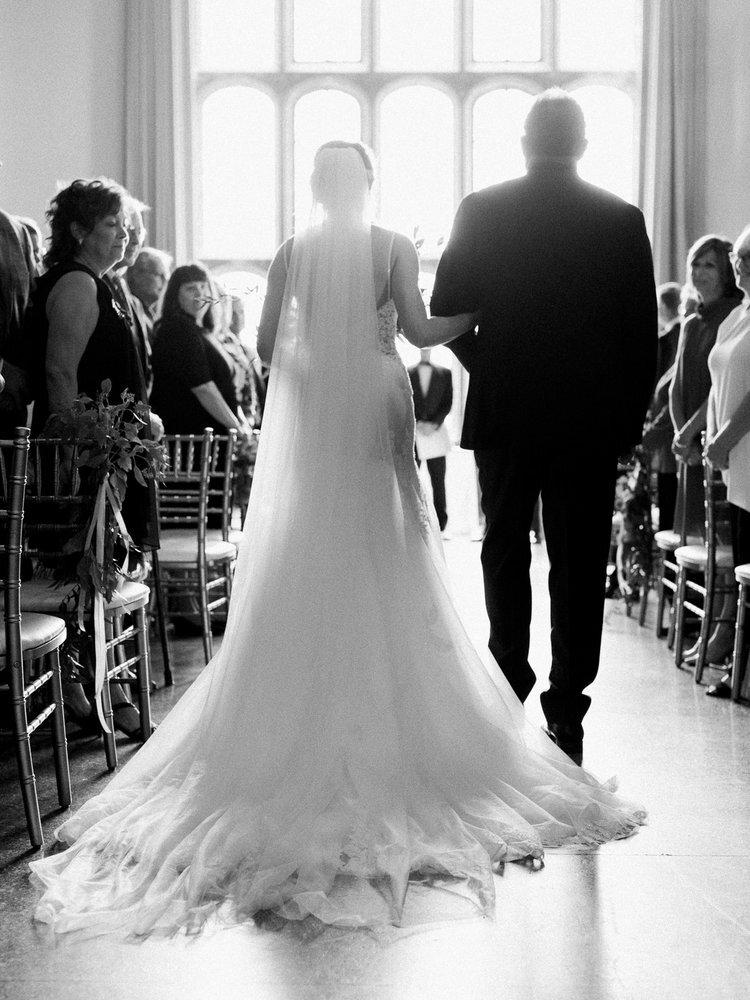Romantic+Wedding+at+the+Cleveland+Tudor+Arms+Hotel-25.jpg