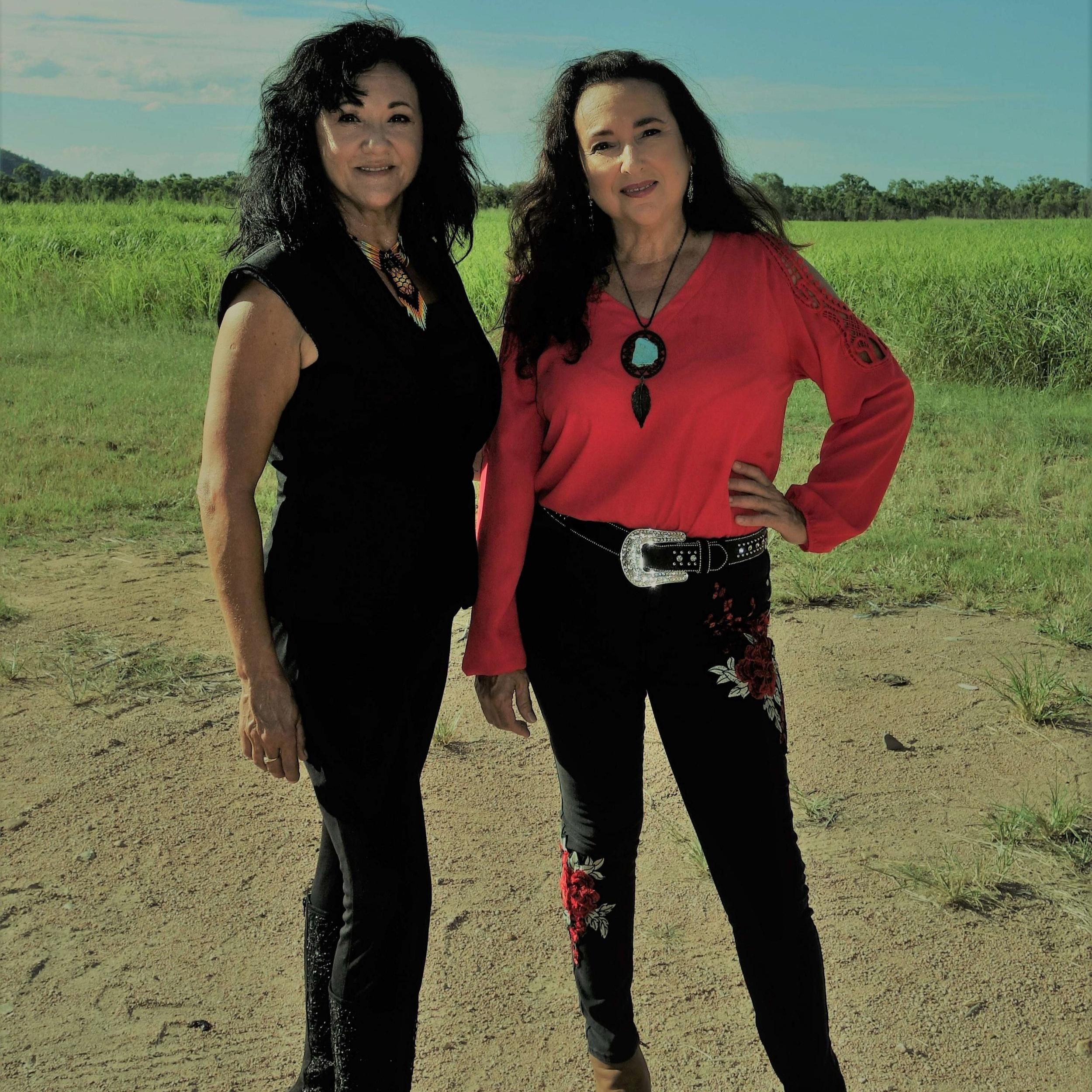 Gottani Sisters > -