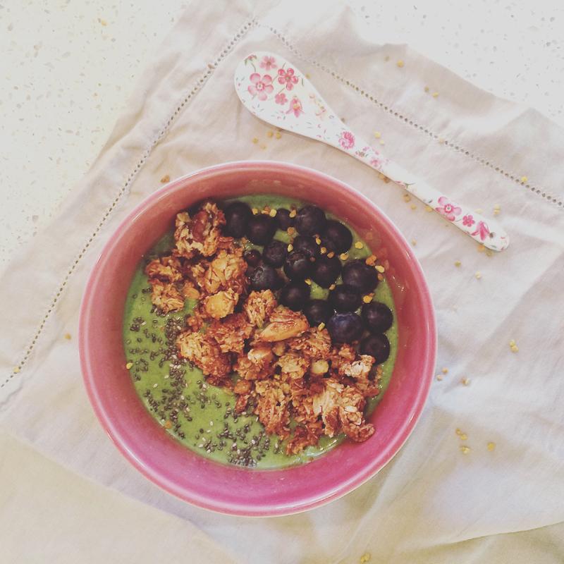 Green smoothie bowl.jpg