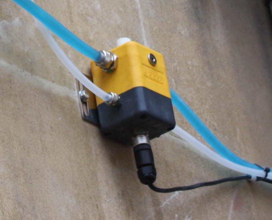 Liquid levelling sensors