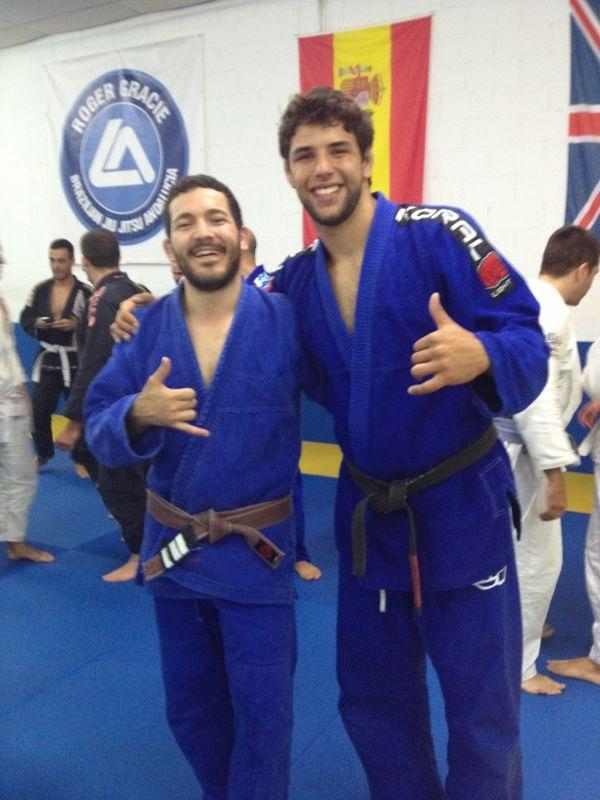 Here are is the start of Lorenzo's beard at a seminar with Buchecha