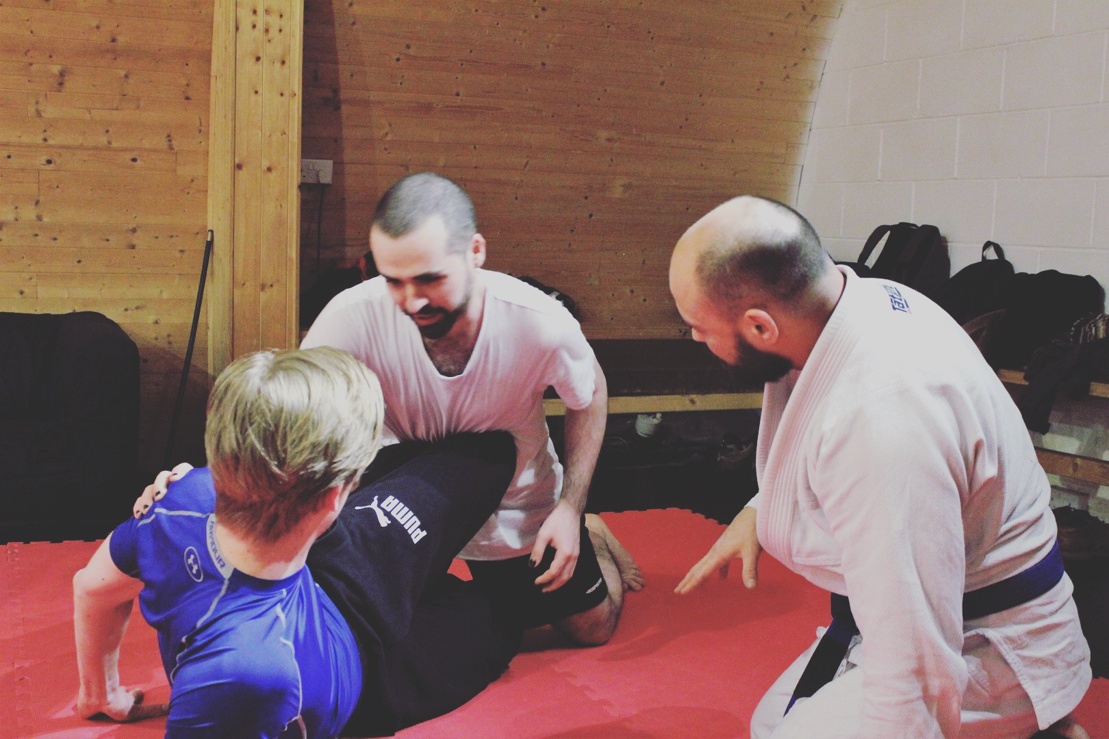 Brazilian Jiu Jitsu - Fundamentals - This class covers the core techniques of Brazilian Jiu Jitsu, you will also learn how to throwl and self defence techniques as well. This is a great starting point for beginners or if you want to brush up on the basics.