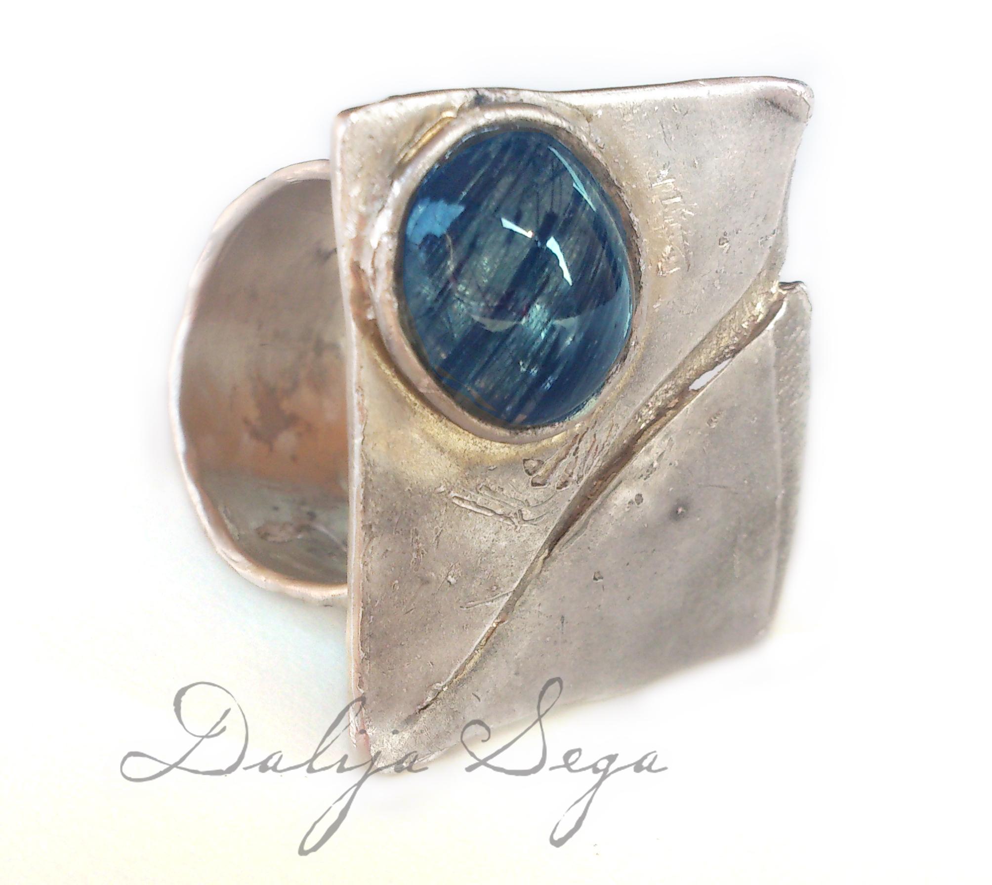dalija-sega-ring-prstan-kvarz2.jpg