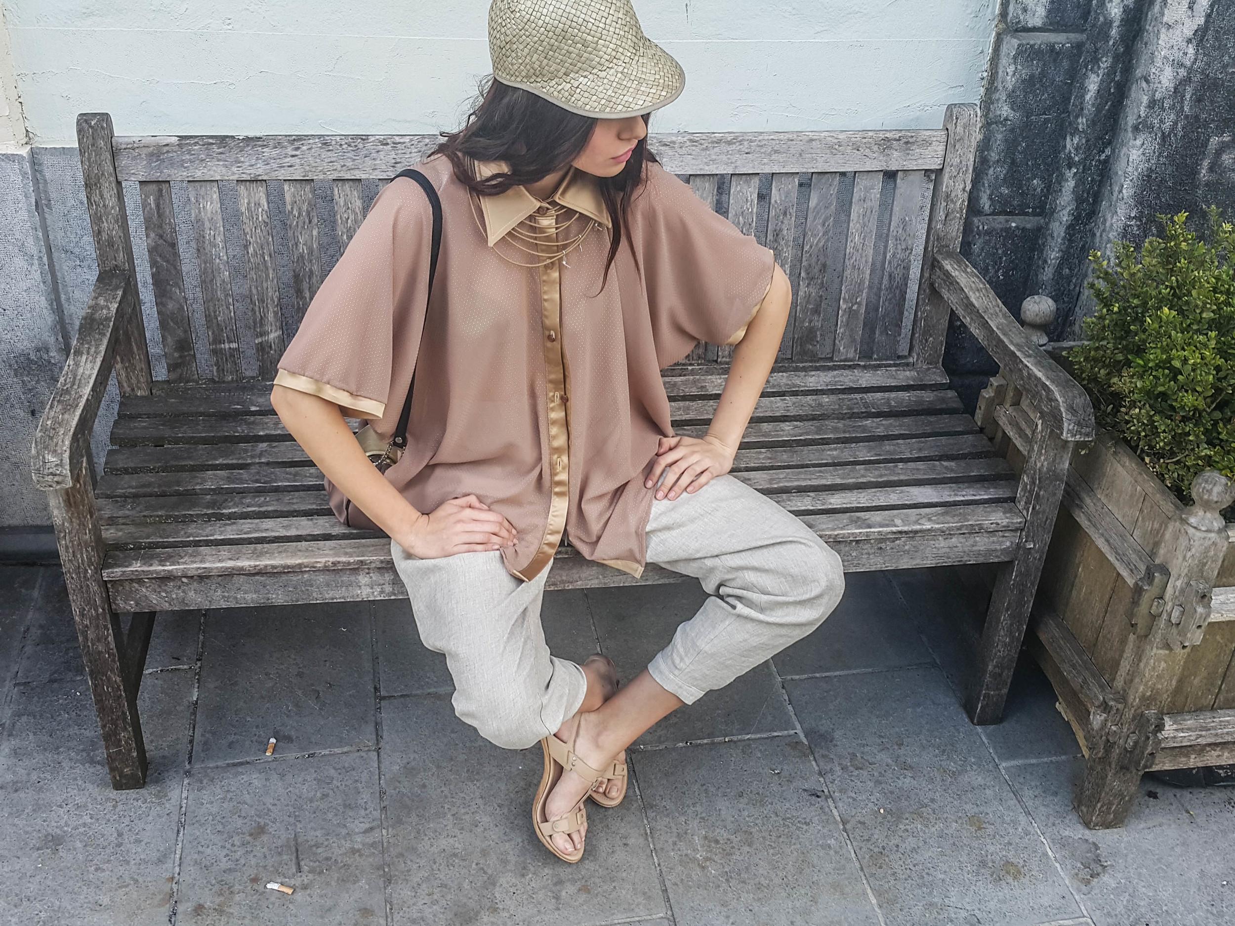 bluza Patricia Pie  hlače Renata Bedene  torbica Nelizabeta  ogrlica Bermandes  kapa Firma by Sanja