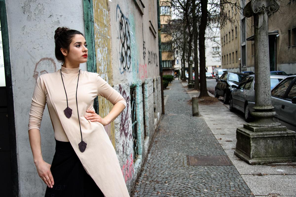 nakit in majica Janja Videc