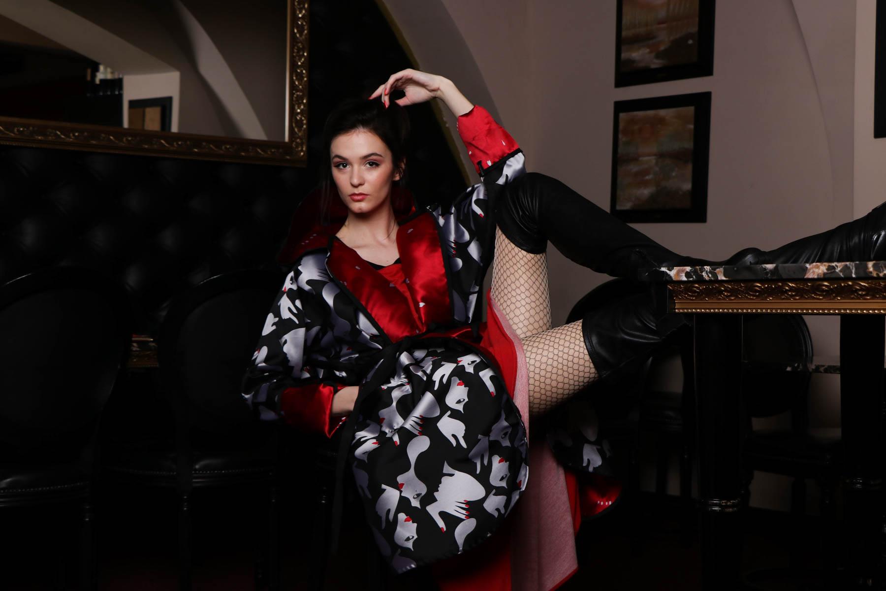 NI / rdeča obleka / 126 eur  Renata Bedene / plašč rdeč 165 eur
