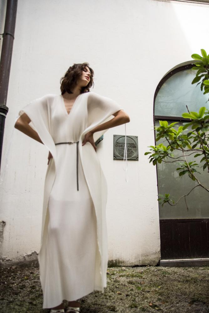 Obroč Lazovski 79€  Obleka Nelizabeta 179€