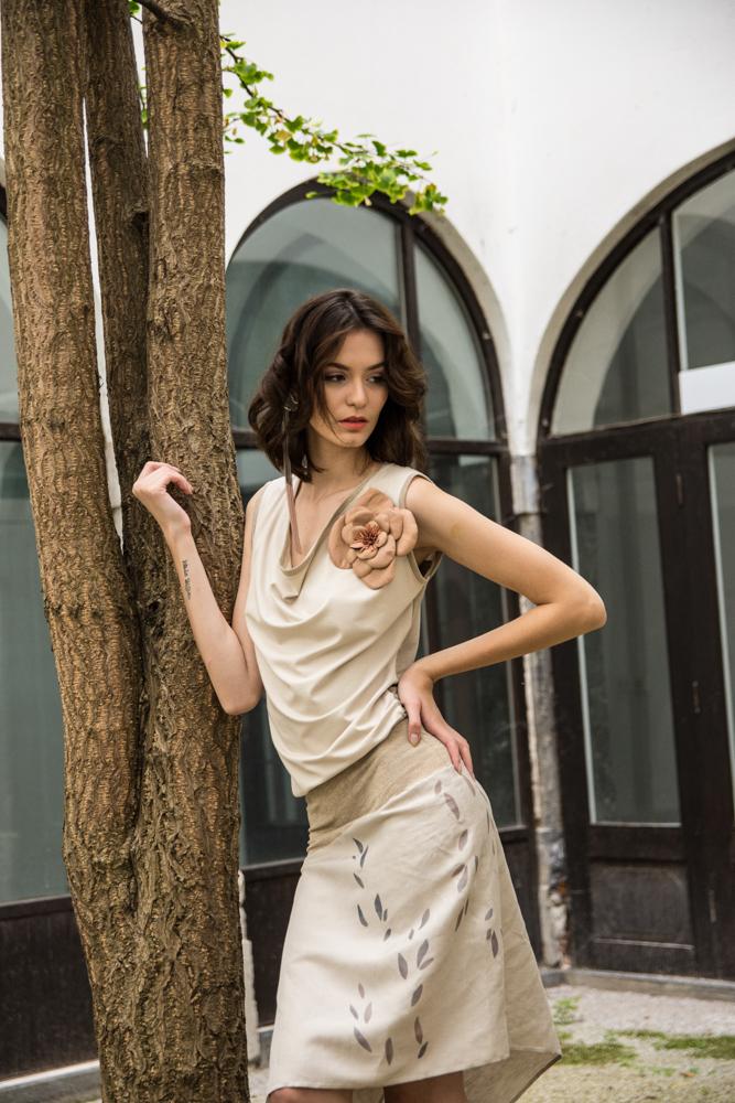 Obleka Renata Bedene 145€  Roža Lazovski 50€  Uhan JSP 40€