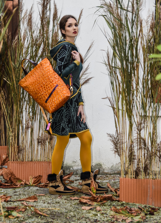 Simona obleka 179 eur  Editta ruzak 315 eur