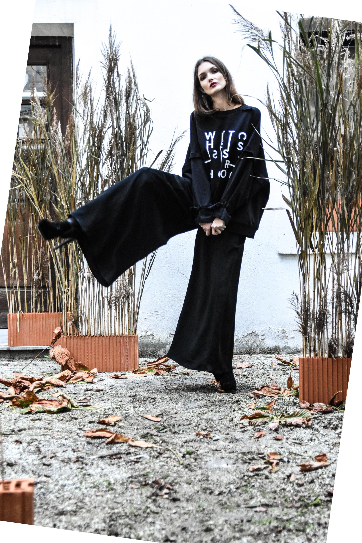 Janja pulover 117  JKH hlače 145