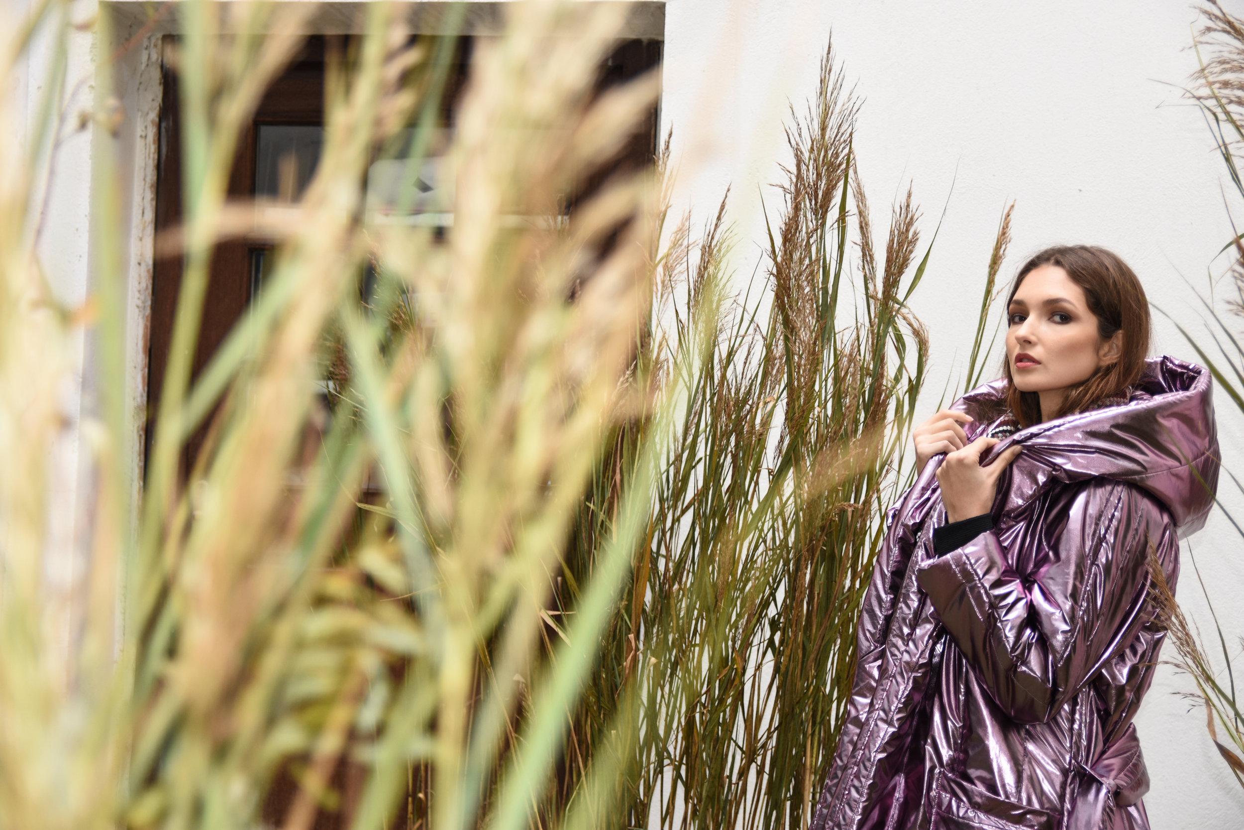 Julia Kaja Hrovat plašč 295 eur  JKH obleka 125 eur