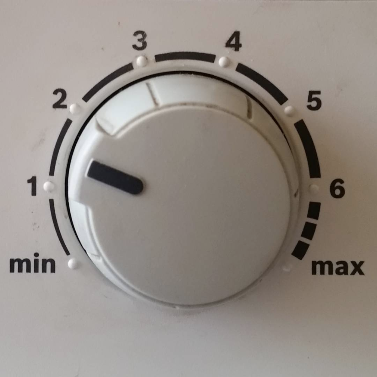 Minimum maximum dial for heating