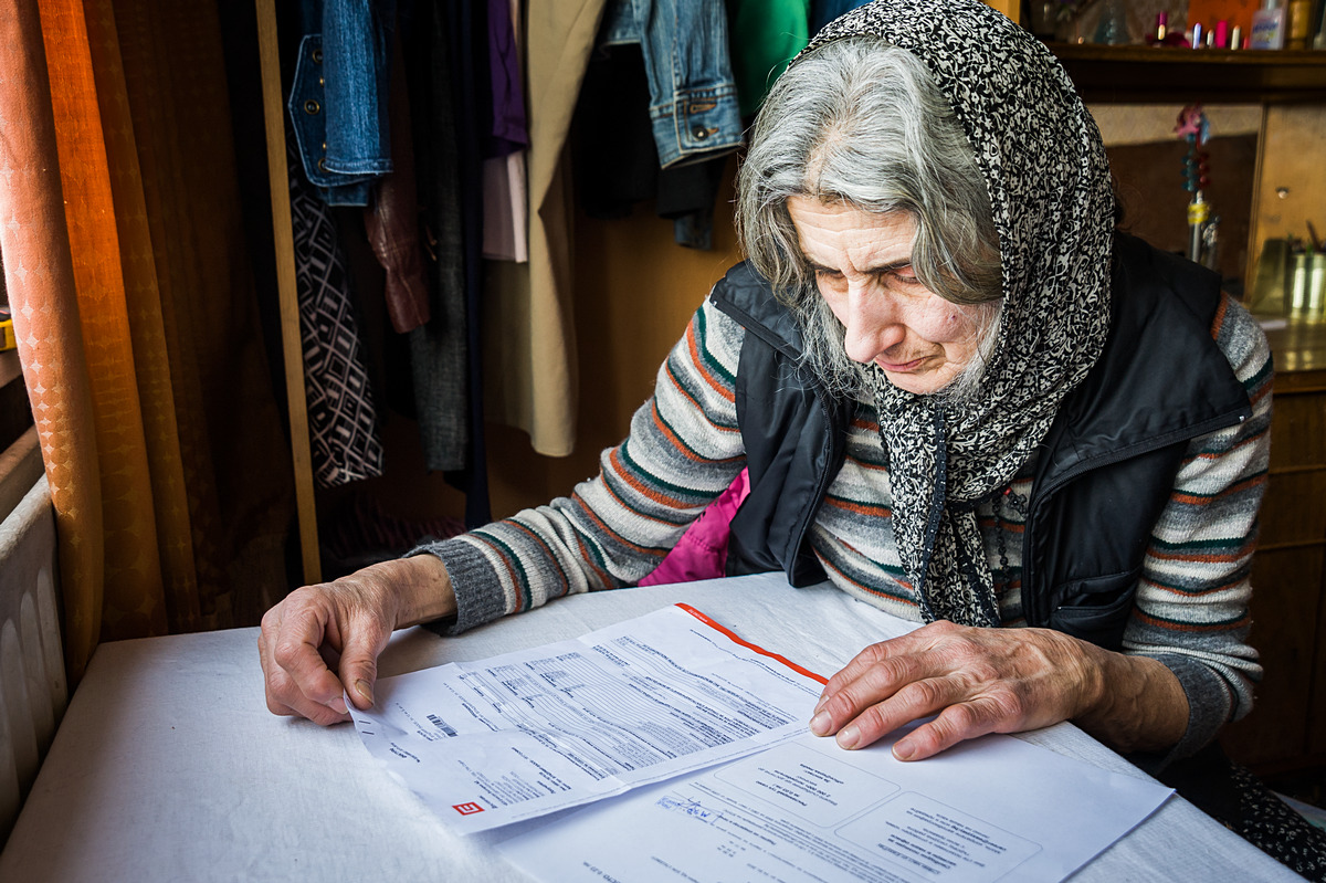 SOFIA • A retired teacher, Liliya receives pension and support of  €300/mo.; her electricity bill in January was €100.
