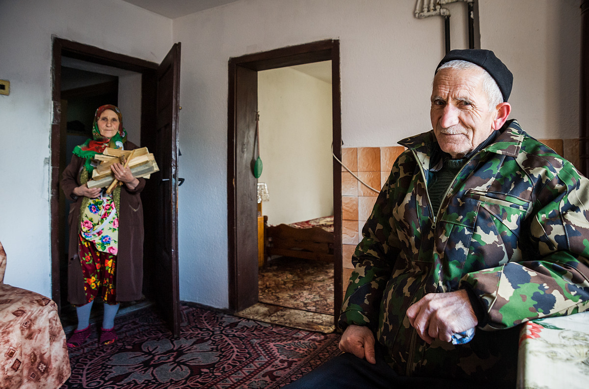 RIBNOVO • At 70, Ahmed still buys a permit to harvest wood from the forest: it costs €5/m3 against €20/m3 to have wood delivered.